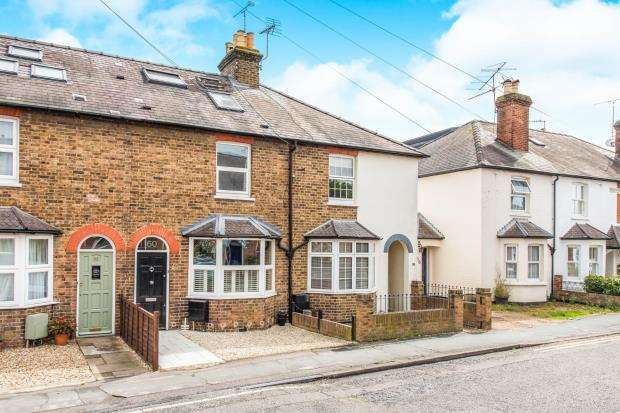 3 Bedrooms Terraced House for sale in Cobham, Surrey, United Kingdom