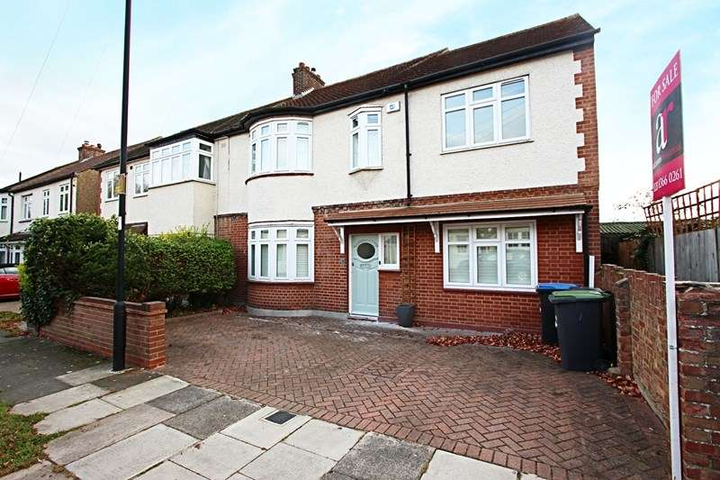 4 Bedrooms Property for sale in Woodbine Grove, Enfield