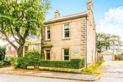 4 Bedrooms Semi Detached House for sale in Stalybridge Road, Mottram, Hyde, Cheshire