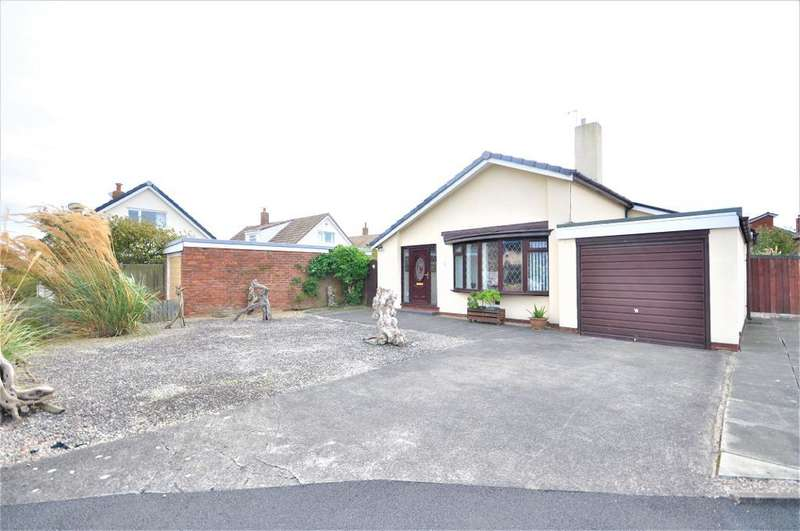 3 Bedrooms Detached Bungalow for sale in Medway Avenue, Larkholme, Fleetwood, Lancashire, FY7 8PZ
