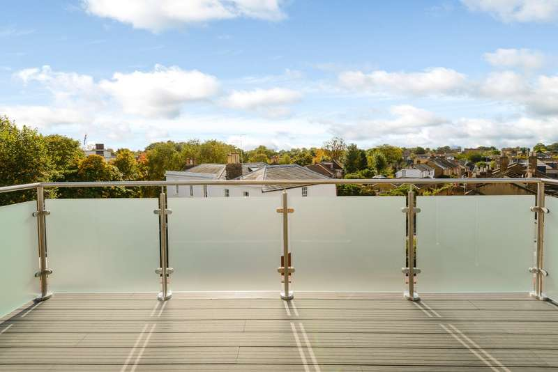 1 Bedroom Penthouse Flat for sale in Teddington