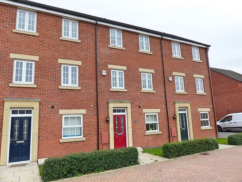 4 Bedrooms Terraced House for sale in Aurora Way, Cardea, Peterborough, PE2 8FT