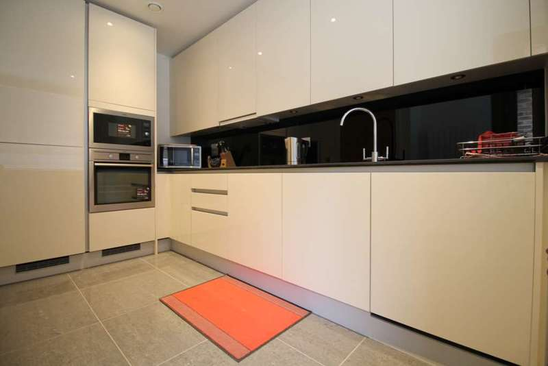 3 Bedrooms Apartment Flat for sale in Brentford Lock West