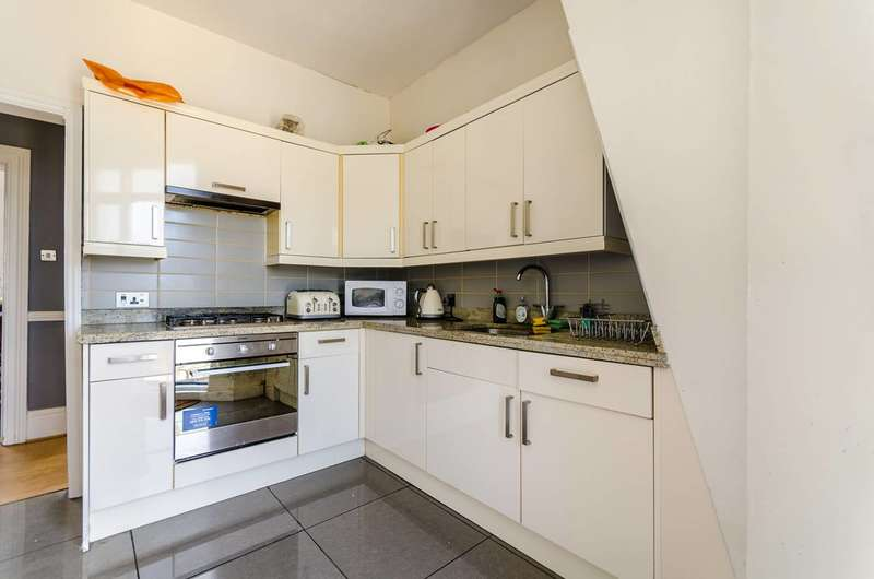 4 Bedrooms Flat for sale in Ringford House, Wandsworth, SW18