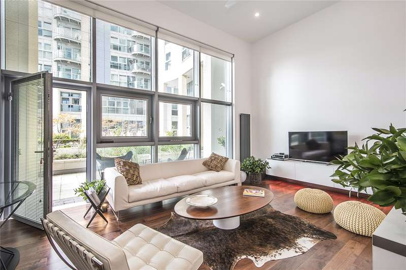 2 Bedrooms Flat for sale in Orbis Wharf, Bridges Court Road, London, SW11