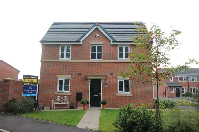 3 Bedrooms Semi Detached House for sale in Heron Way, Sandbach, CW11