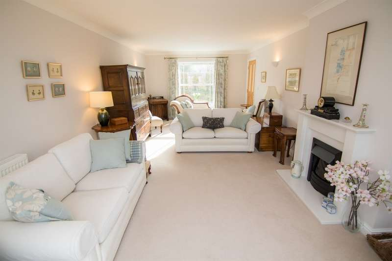 4 Bedrooms Detached House for sale in David Street, Wick, Cowbridge