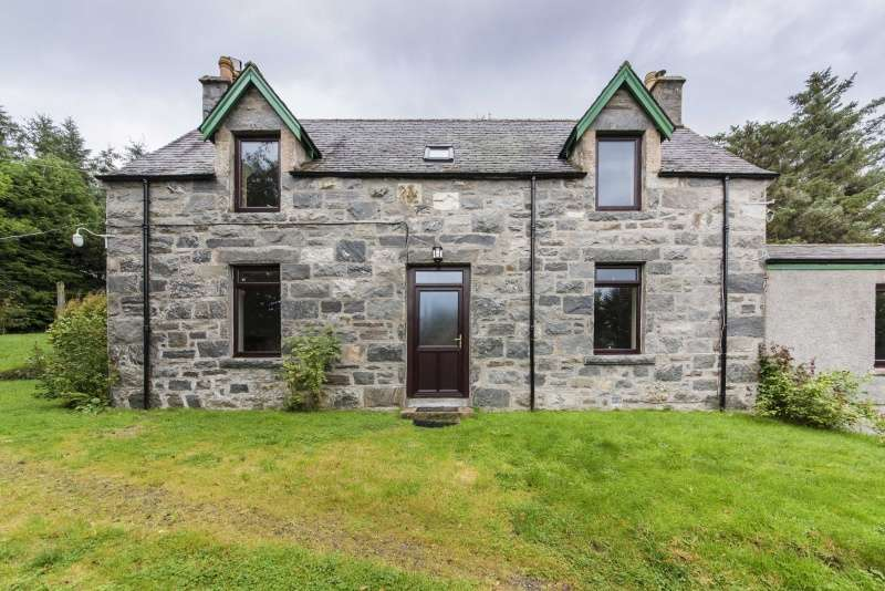 3 Bedrooms Detached House for sale in 12 Syre Strathnaver, Kinbrace, Sutherland, Highland, KW11 6UA