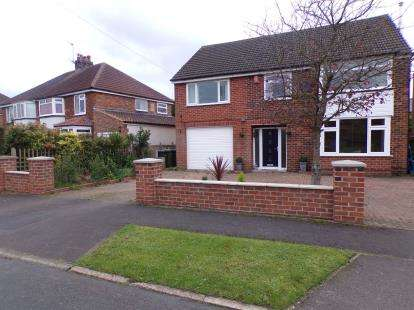 6 Bedrooms Detached House for sale in The Close, Northallerton