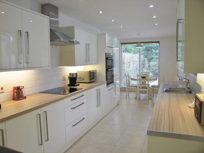 3 Bedrooms House for sale in Westbourne Avenue, Hull, HU5 3JB