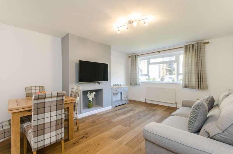 1 Bedroom Flat for sale in Hartfield Road, Wimbledon, SW19