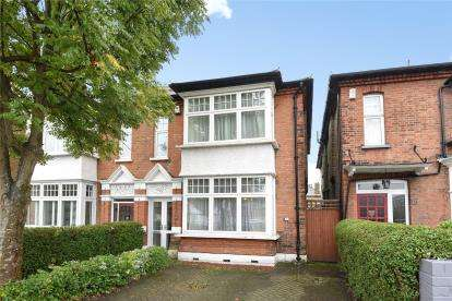 4 Bedrooms Semi Detached House for sale in Southwood Road, London