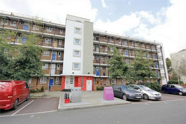 3 Bedrooms Flat for sale in Talwin Street, London