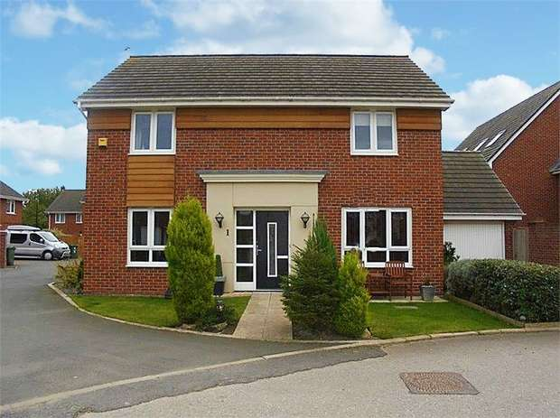 4 Bedrooms Detached House for sale in Belvoir Close, Washington, Tyne and Wear