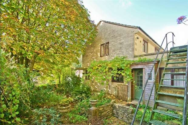 3 Bedrooms Semi Detached House for sale in Darshill, Somerset