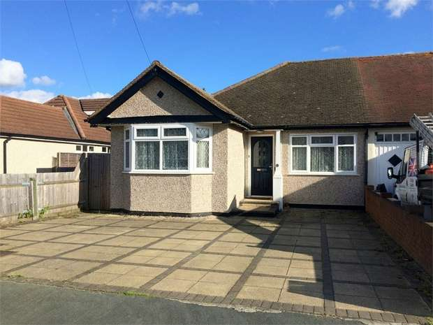 3 Bedrooms Semi Detached Bungalow for sale in Amis Avenue, West Ewell