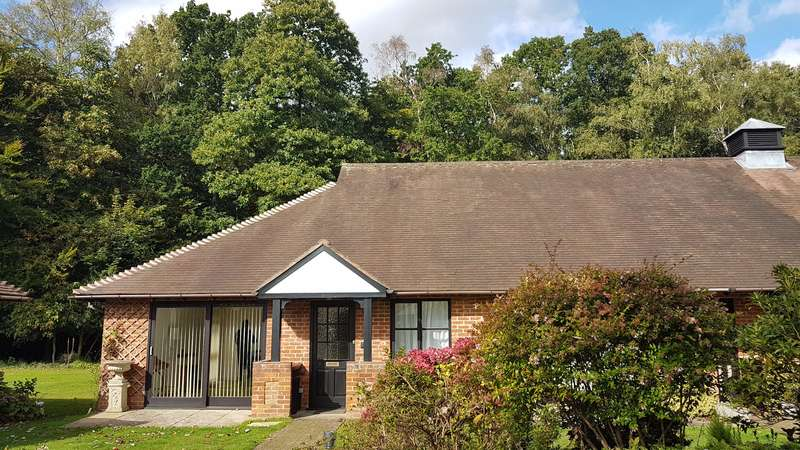 2 Bedrooms Bungalow for sale in Bagshot Road, Sunninghill, Ascot
