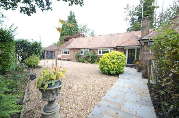 4 Bedrooms Detached Bungalow for sale in Coleford Bridge Road, Mytchett, Camberley