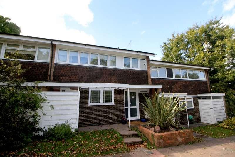 3 Bedrooms Terraced House for sale in Wellsmoor Gardens, Bromley