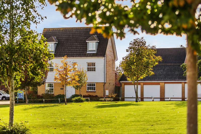5 Bedrooms Detached House for sale in Hunters Way, Edenbridge, TN8