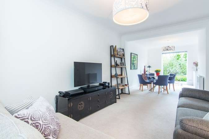 3 Bedrooms End Of Terrace House for sale in Cranbrook Road, Chiswick