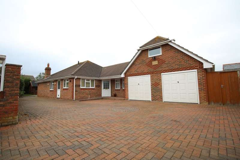 3 Bedrooms Detached Bungalow for sale in West Lane, Hayling Island, PO11