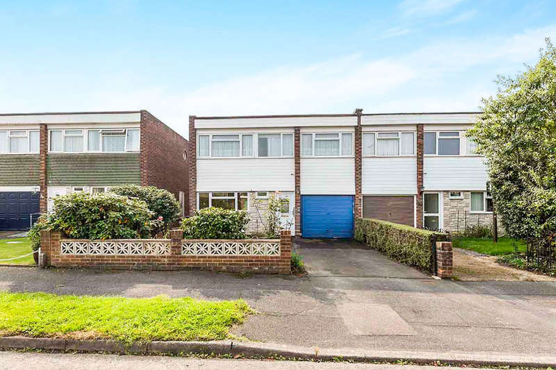 4 Bedrooms Semi Detached House for sale in Stansted Crescent, Havant, PO9