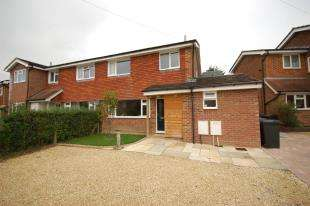 3 Bedrooms Semi Detached House for sale in New Road, Ridgewood, Uckfield, East Sussex
