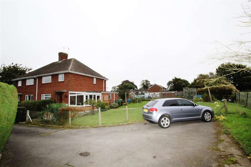 3 Bedrooms Semi Detached House for sale in The Rise, Gawcott