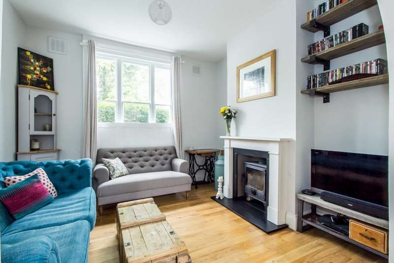 3 Bedrooms Terraced House for sale in Chapel Road, London, London, SE27