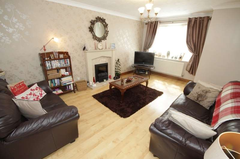 3 Bedrooms Detached House for sale in Camellia Close, Stoke-on-Trent, Staffordshire, ST4