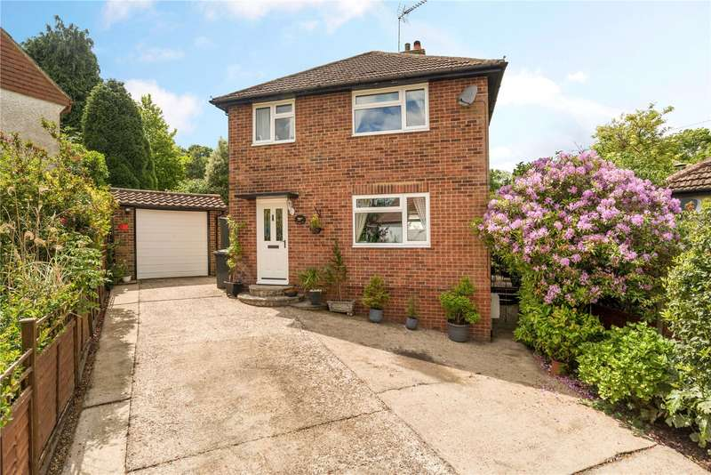 3 Bedrooms Detached House for sale in Park Close, Grayswood, Haslemere, Surrey, GU27