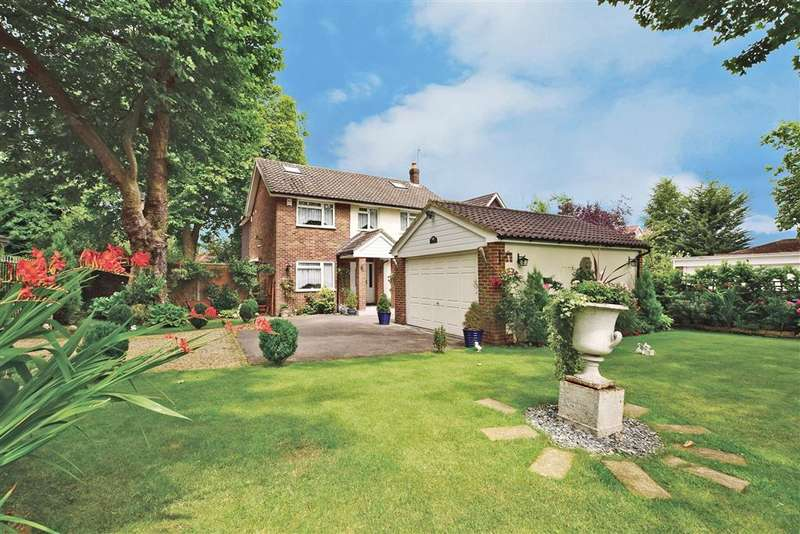 4 Bedrooms Detached House for sale in Chapel Lane, Chigwell, Essex