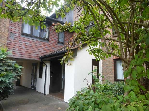 1 Bedroom Flat for sale in Braybourne Drive, Isleworth, Middlesex