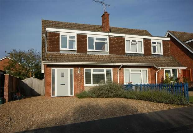 3 Bedrooms Semi Detached House for sale in Wrecclesham, FARNHAM, Surrey