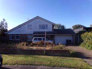 4 Bedrooms Detached House for sale in Fitzroy Avenue, Broadstairs, Kent
