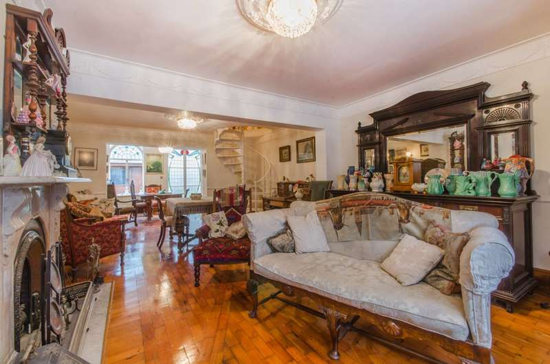 4 Bedrooms House for sale in Manchester Road, Isle Of Dogs, E14