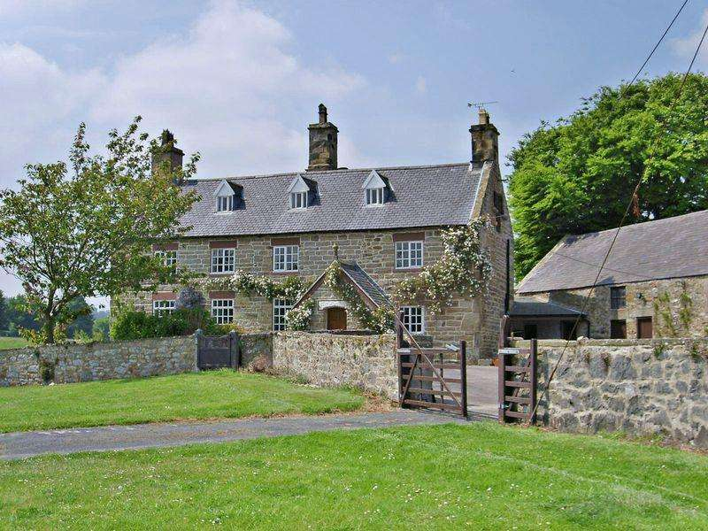 4 Bedrooms Detached House for sale in Llwyn Ifor Lane, Holywell