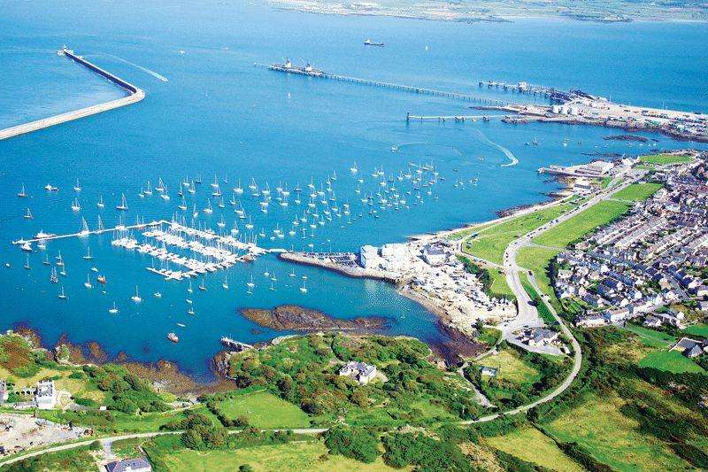 3 Bedrooms Apartment Flat for sale in Holyhead Marina, Anglesey
