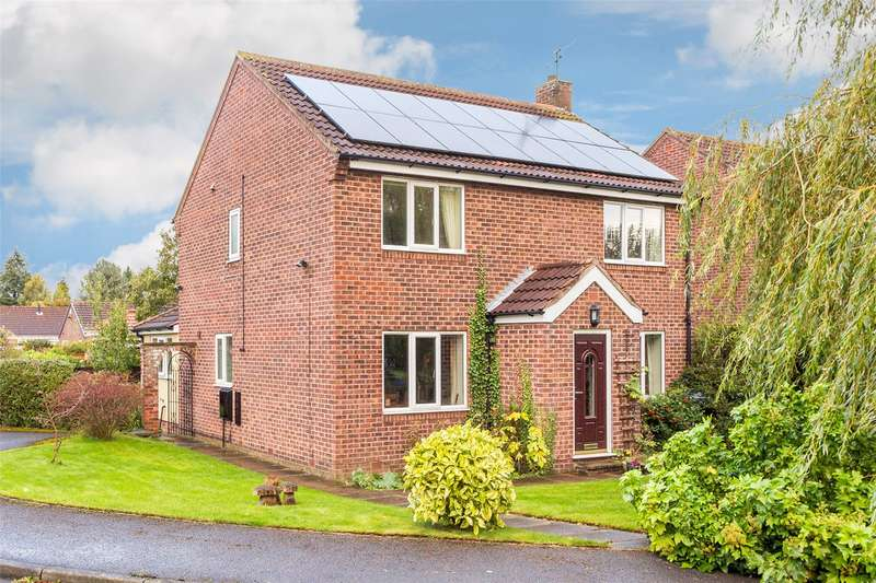 5 Bedrooms Detached House for sale in Milford Way, Haxby, York, YO32