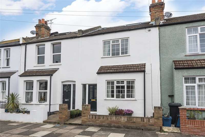 3 Bedrooms Terraced House for sale in Springfield Road, Teddington, TW11