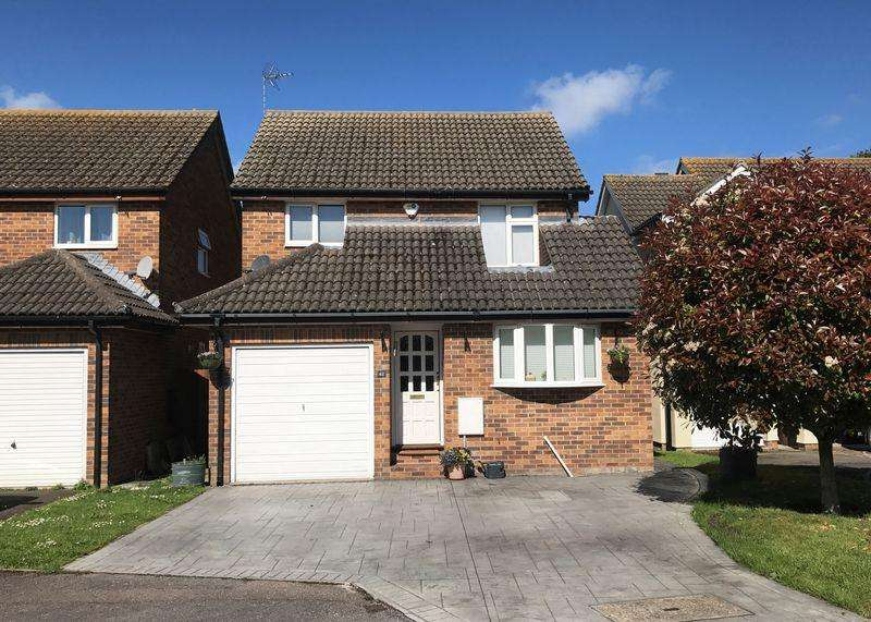 3 Bedrooms Detached House for sale in Blenheim Gardens, Grove