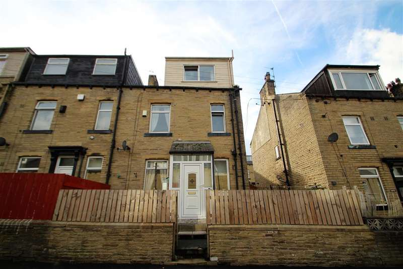3 Bedrooms Terraced House for sale in Livingstone Street, Lee Mount, Halifax