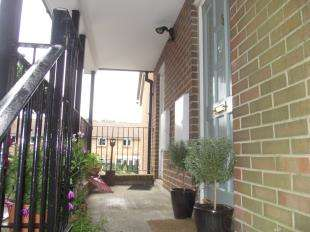 1 Bedroom Flat for sale in Oakwood Close, Midhurst, West Sussex