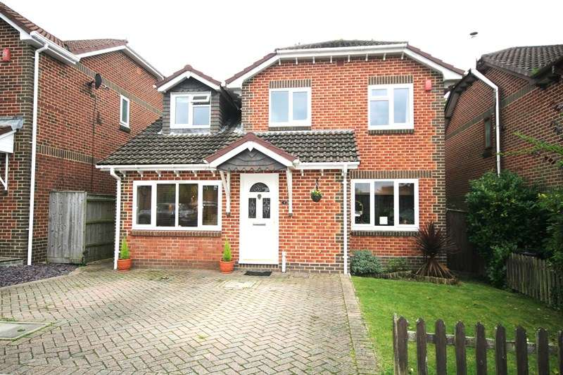 4 Bedrooms Detached House for sale in Landers Reach, Lytchett Matravers, Poole