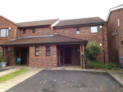 1 Bedroom Flat for sale in Moorton Avenue, Manchester, Greater Manchester, Uk