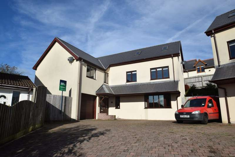 4 Bedrooms Detached House for sale in 1 Hillside Court, Hillside Green , Pen Y Fai, Bridgend, Bridgend County Borough, CF31 4DS