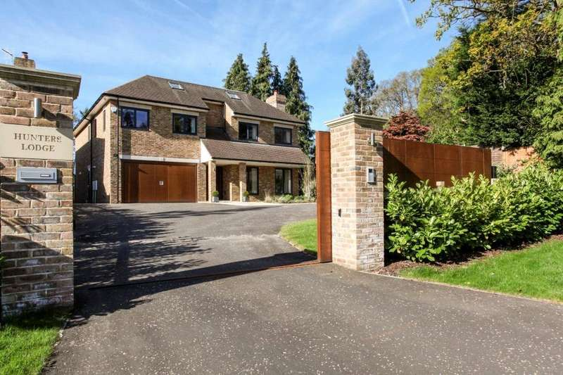 6 Bedrooms Detached House for sale in Knowle Grove, Virginia Water, Surrey, GU25
