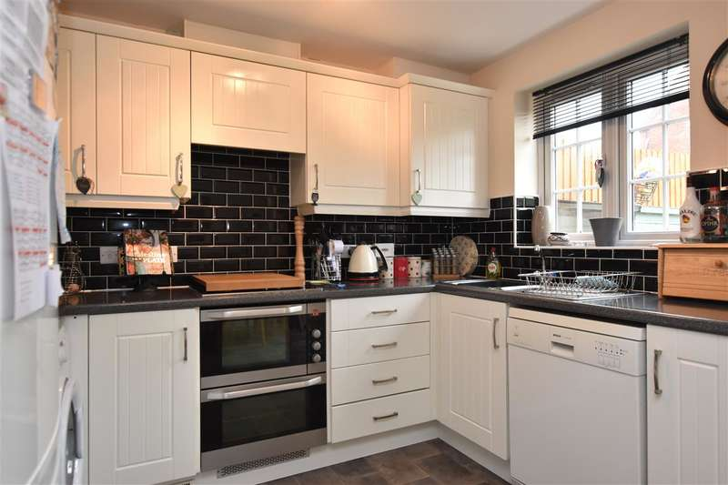 3 Bedrooms Semi Detached House for sale in Ridge Way, Barrow Upon Soar