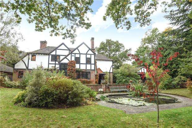 5 Bedrooms Detached House for sale in Easthampstead Road, Wokingham, Berkshire